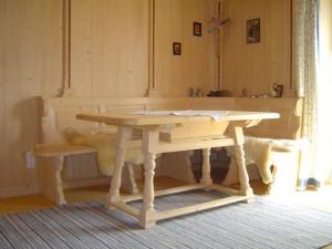 Holzeckbank mit Tisch Schreinerei Nagl