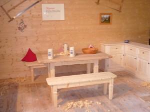 Holzbank mit Tisch Schreinerei Nagl