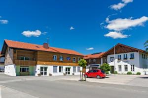 Rathausplatz-3