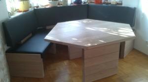 moderne Holzeckbank mit Tisch Schreinerei Nagl